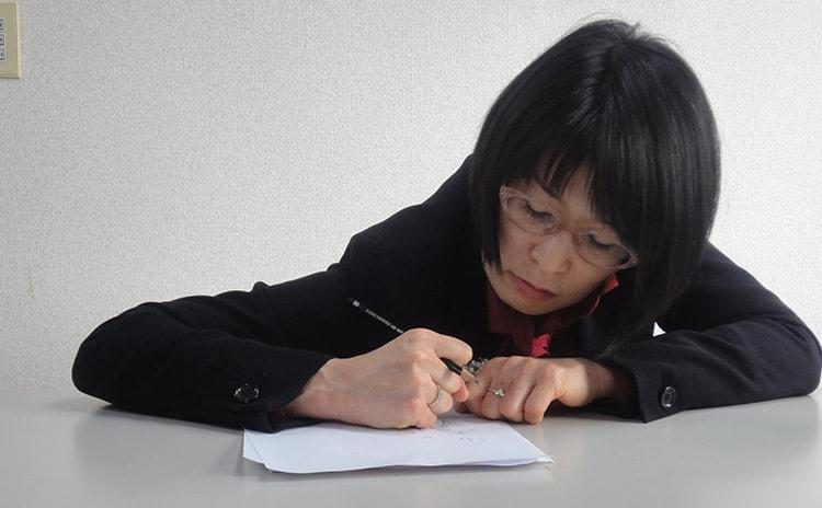 鉛筆を正しく持てないと