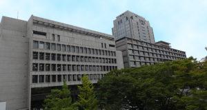 千葉県議会議会棟と県庁庁舎