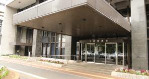 千葉県議会議会棟入り口の写真