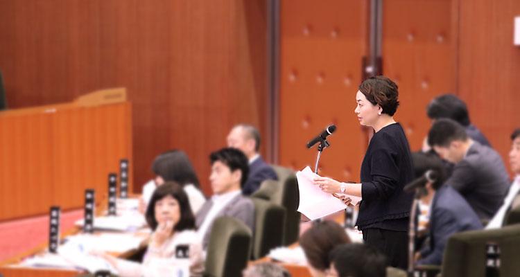 令和元年千葉県議会9月議会で一般質問に登壇。当局に要望を伝える安藤じゅん子
