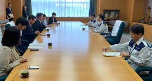 森田健作知事に予算要望を伝える立憲民主党会派