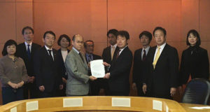 千葉県に対し、新型コロナウィルスの徹底した対策を要望する安藤じゅん子と立憲民主党会派
