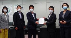 安藤じゅん子は立憲会派の一員として森田知事宛に新型コロナウイルス対策に対する要望書を提出しました